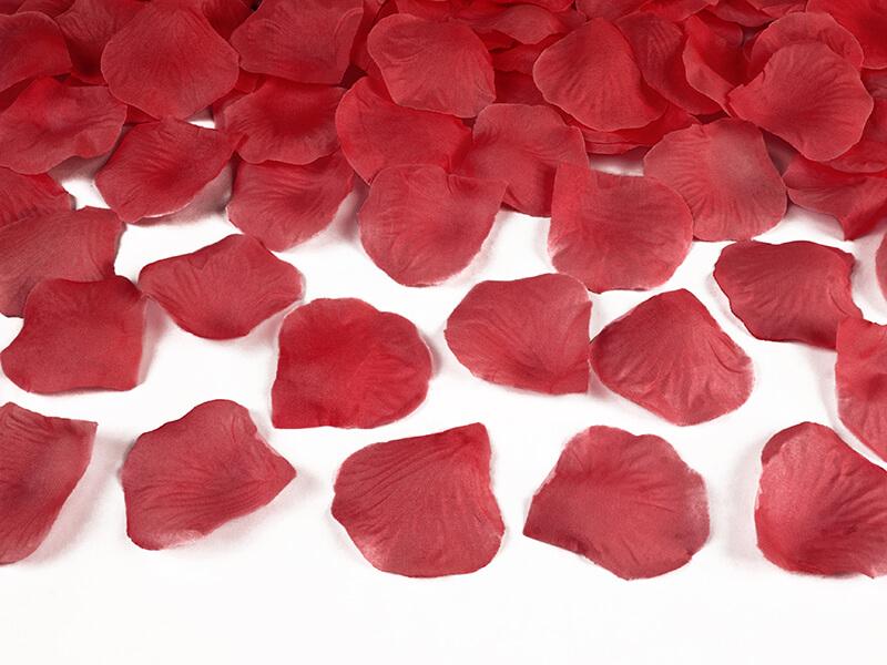 Levně Lupeny růží červené