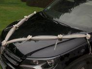 Dekorace svatebního auta krémová