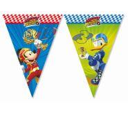 Vlaječky Mickey a závodníci